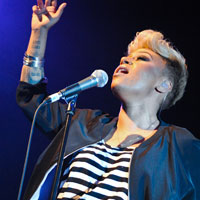 16/04/2012 | Emeli Sande – Shepherd's Bush Empire, London