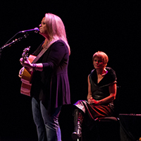 In Photos: Mary Chapin Carpenter and Shawn Colvin at The Royal Festival Hall, London (22nd October 2012)